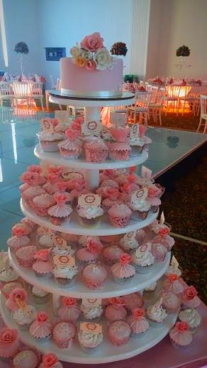 torre de cupcakes flores xv años