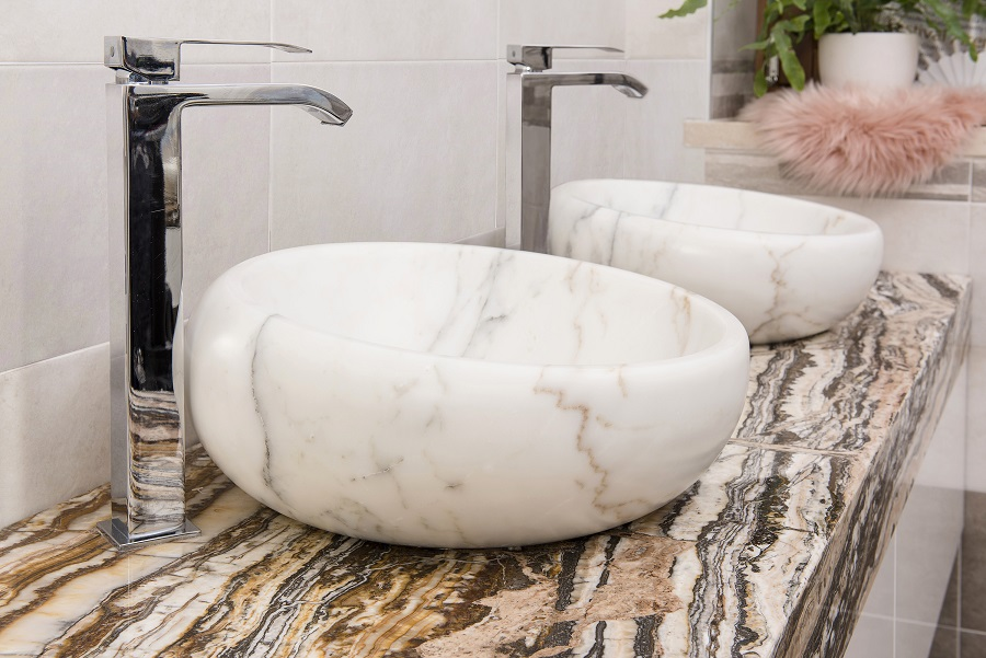 Calacatta marble bathroom elements