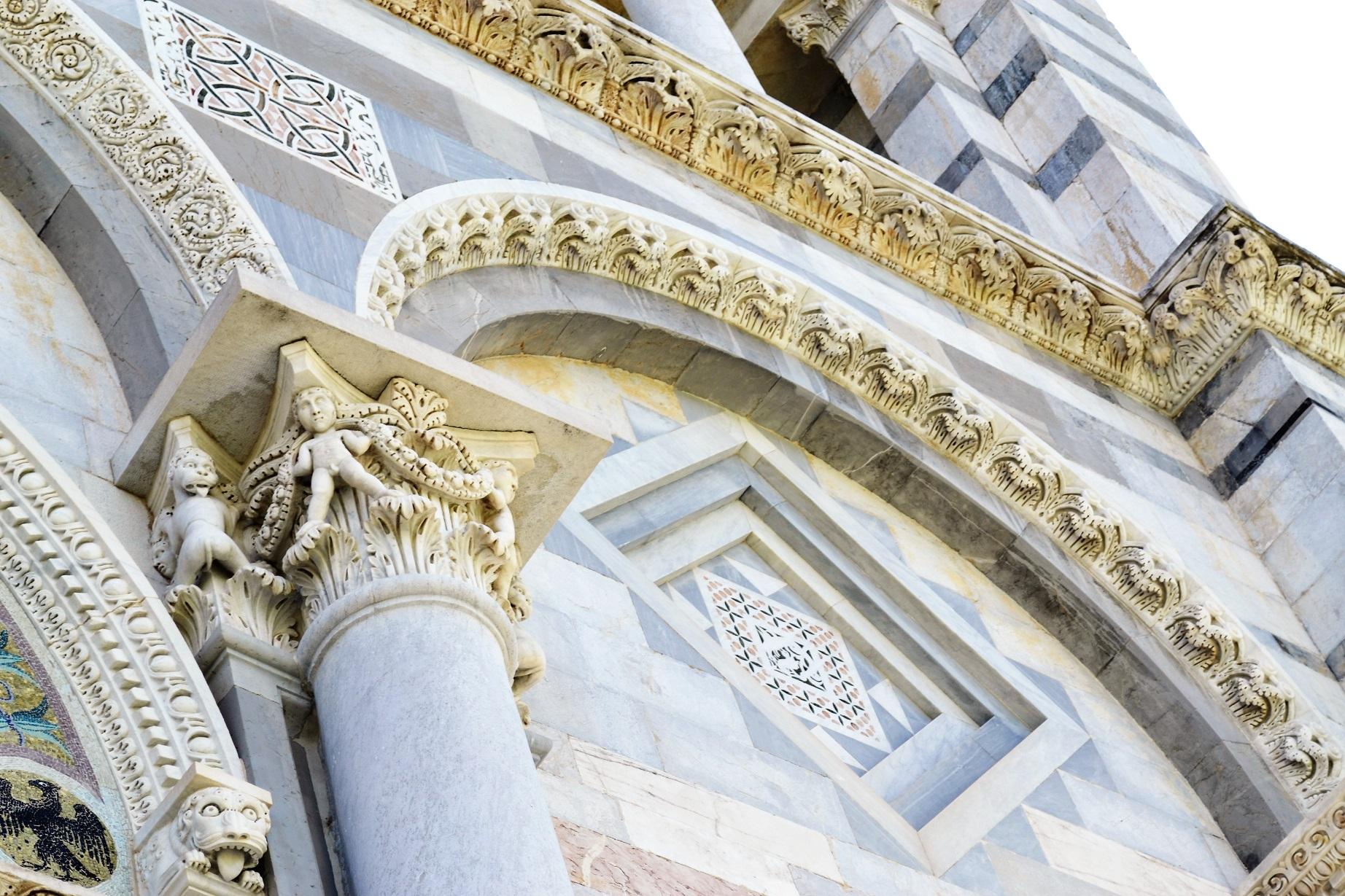 Het klooster van Pisa maakt deel uit van de groep historische gebouwen op het Piazza del Duomo.