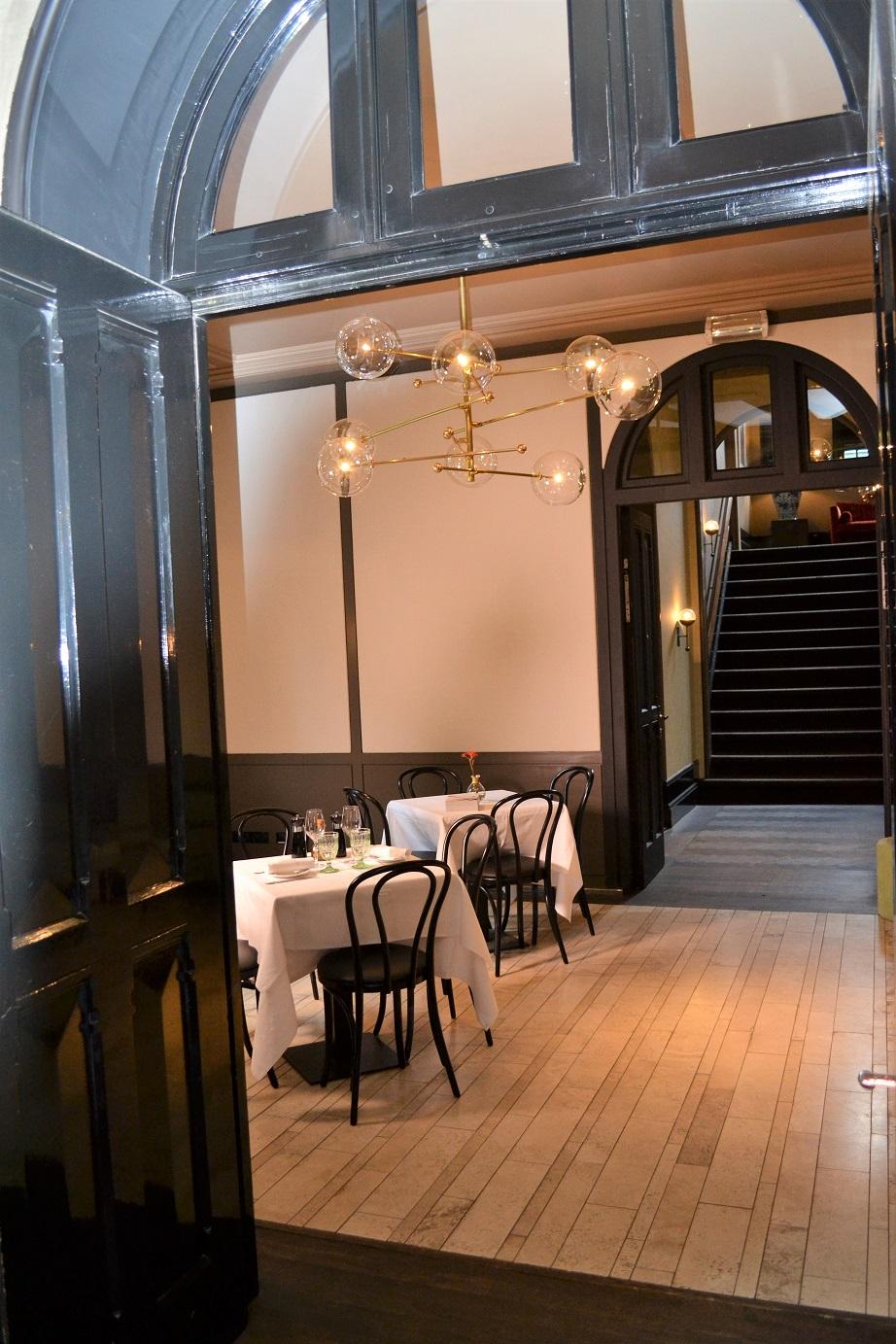 All major rooms with Italian Travertino Moonlight