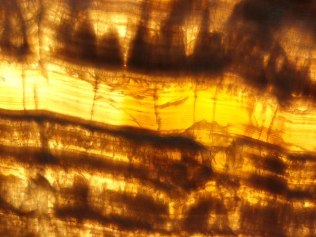 Onyx Marrone backlit
