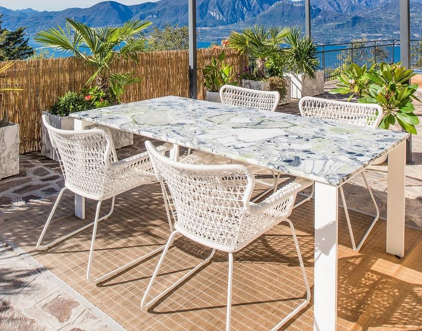 White Beauty garden table