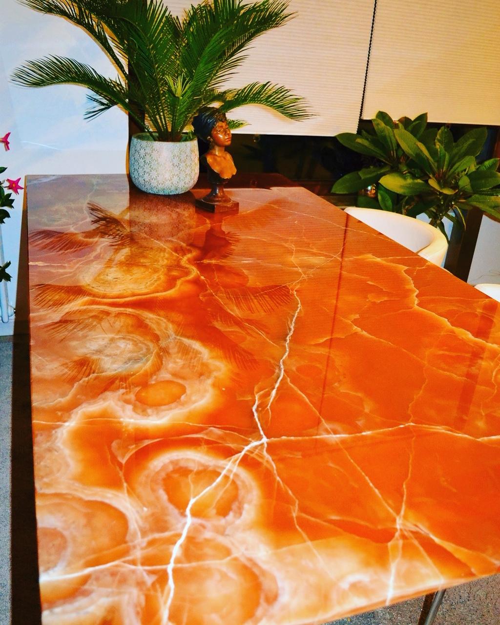 Onyx Ambra luxury table