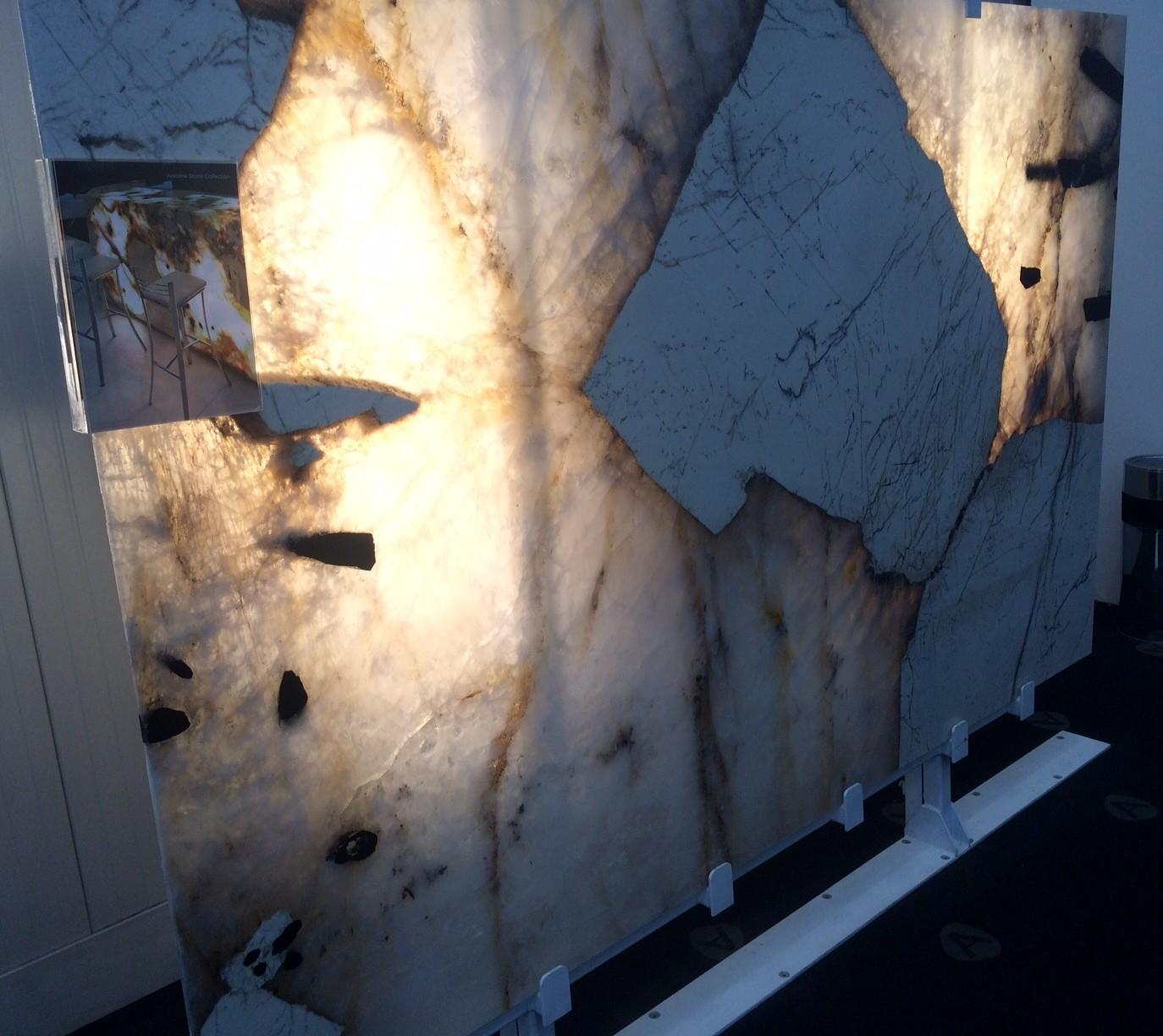 Patagonia Graniet verlicht van achter