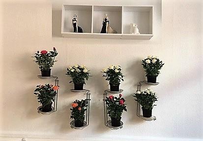 Plantestativ lilleFlower : billigt affaldssortering (affaldsstativ baseret på affaldssorteringssystem)  bygget af affaldstativer til sortering i et køkken 2