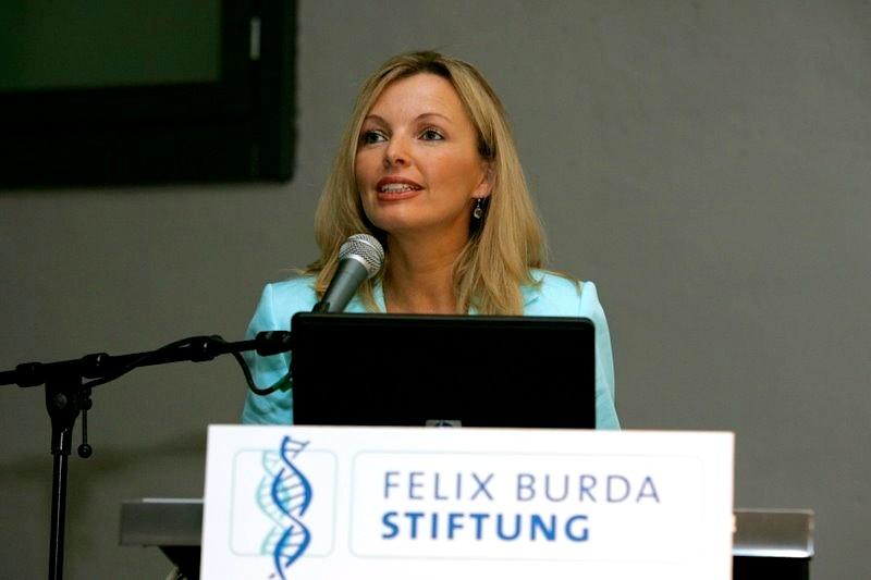 """Kampagnen-Präsentation: Bettina Miserre (geb. Müller) stellt die internationale Konferenz """"The Future of Healthcare in Europe"""" vor"""