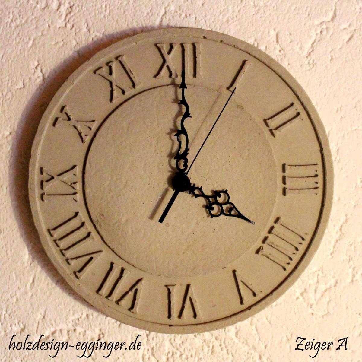 Uhr römische zahlen  Uhren - holzdesign-egginger