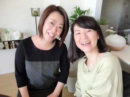 東京リラックセーションアカデミースクールブログ。リンパケアリストコース在校生今野さんと鈴木さん