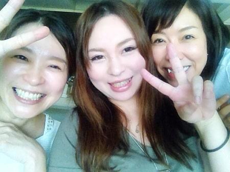 ボディセラピストコース在校生菊間さんとリンパセラピストコース卒業生岡野さん