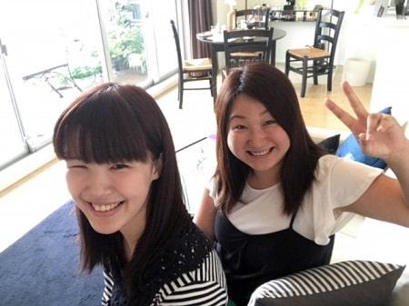 ボディセラピストコース在校生桑名さんとリンパセラピストコース卒業生三浦さん