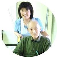 老人施設内のクリニックでケアをされているリンパケアリストコース卒業生近藤さん