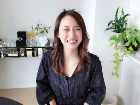 東京リラックセーションアカデミースクールブログ。1日講座受講生高野さんの笑顔の写真