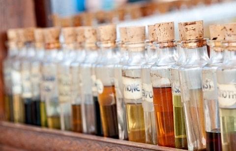 アロマテラピーの基礎を学び、好きな香りでアロマミストを作成できる1日講座、メディカルアロマ体験レッスン