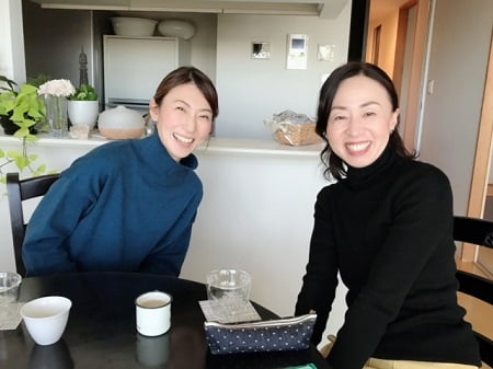 ボディセラピストコース在校生錦織さんとアロマセラピストコース卒業生伊藤さん