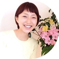 リンパオイルトリートメントとリフレ、リンパドレナージュフェイシャルを修得された卒業生矢澤さん