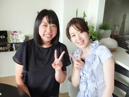 東京リラックセーションアカデミースクールブログ。卒業生仲田さんと在校生井坂さんの二人の写真
