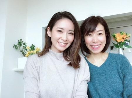東京リラックセーションアカデミースクールブログ。リンパセラピストコース卒業生伊藤さんとの記念写真