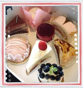 東京リラックセーションアカデミースクールブログ。全身リンパオイルトリートメントコース卒業生佐藤さんから頂いたケーキの写真
