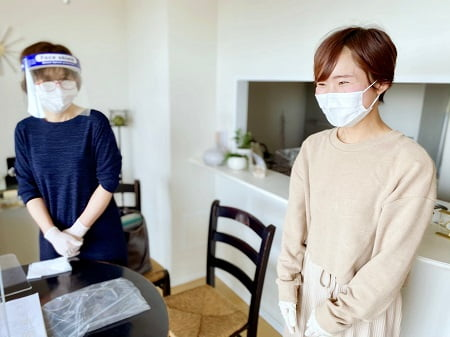 東京リラックセーションアカデミースクールブログ。整体師コース卒業生古川さんとボディセラピストコース在校生渡邉さん