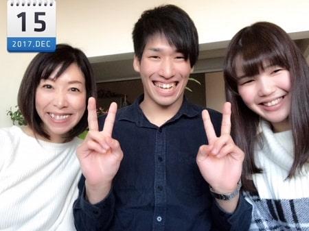 東京リラックセーションアカデミースクールブログ。ボディセラピストコース在校生の桑名さんとお友達との3人の記念写真