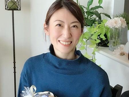 東京リラックセーションアカデミースクールブログ。アロマセラピストコース卒業生伊藤さんの写真