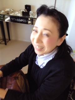 東京リラックセーションアカデミースクールブログ。ハンドマッサージ講習受講生菊池さんの写真