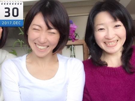 東京リラックセーションアカデミースクールブログ。リンパケアリストコース卒業生山野井さんとアロマセラピストコース在校生伊藤さんとの2人の記念写真