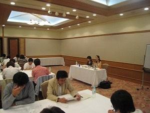 埼玉県理容講師会・NAC様でアロマセミナーを開催した時の写真