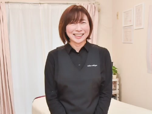 サロンを開業されたボディセラピストコース卒業生染井さん