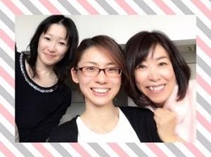 東京リラックセーションアカデミースクールブログ。リンパケアリストコース卒業生山野井さんと講師鈴木と講師斉藤の3人の記念写真