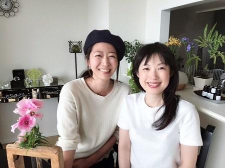 リンパケアリストコース在校生長谷川さんとボディセラピストコース在校生稲生さんの2人の写真