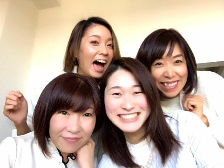 リンパセラピストコース卒業生伊藤さん、リンパケアリストコース在校生河西さん、ボディセラピストコース在校生亜希さん