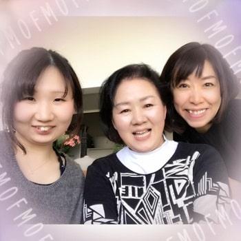 東京リラックセーションアカデミースクールブログ。全身リンパオイルトリートメントコース卒業生佐藤さんとみどりさんとの3人の記念写真