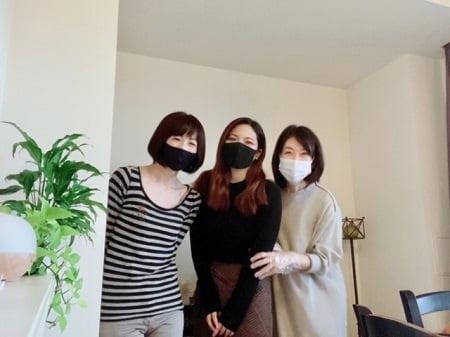 東京リラックセーションアカデミースクールブログ。リンパケアリストコース受講生福嶋さんと卒業生谷川さんと