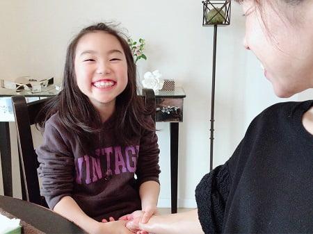 【キッズ1日講習】ハンドマッサージ講習受講生 彩世ちゃん