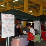 raccolta di firme a favore di una petizione a favore dei pazienti disabili
