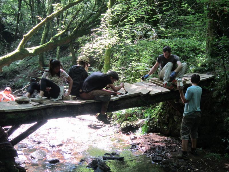 Renforcement du pont en bois reliant le bourg de Prendeignes à Lagaltayrie