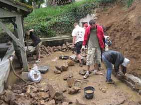 sous la boue....le pavé! 2011