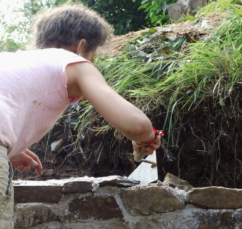 On bâtit! -murs en pierres maçonnées-
