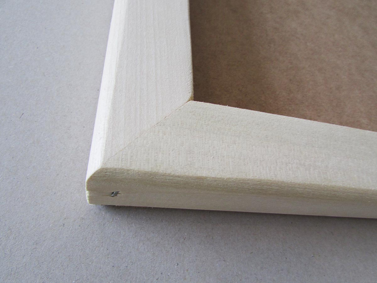 Corner of box canvas frame