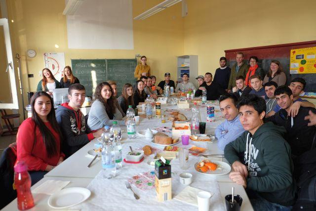 Willkommen in Deutschland - Treffen und Fußballturnier mit Flüchtlingen
