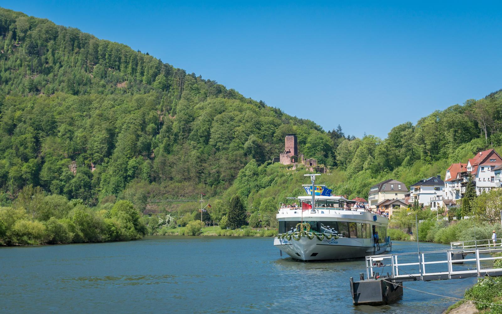 """""""Königin Silvia"""" zu Besuch in der Vier-Burgen-Stadt"""