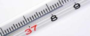 水銀体温計 37℃が赤く表記