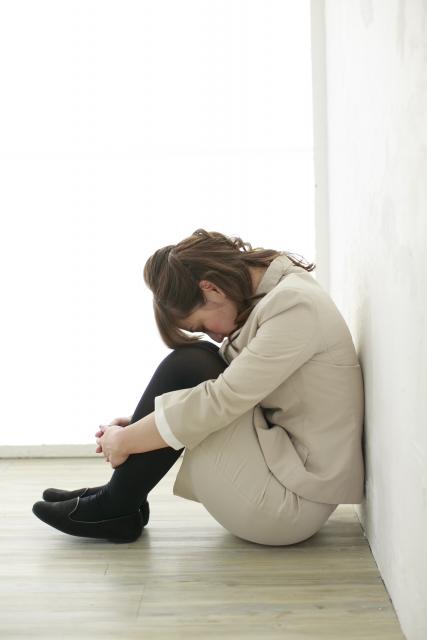 かぶらぎ整骨院・整体院ブログ うつむいた姿勢イメージ写真