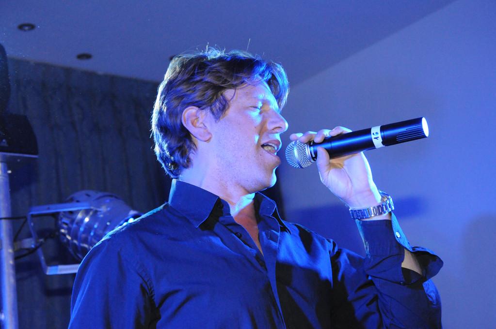 Arnold rosenfeld chanteur de variété et traditionnel