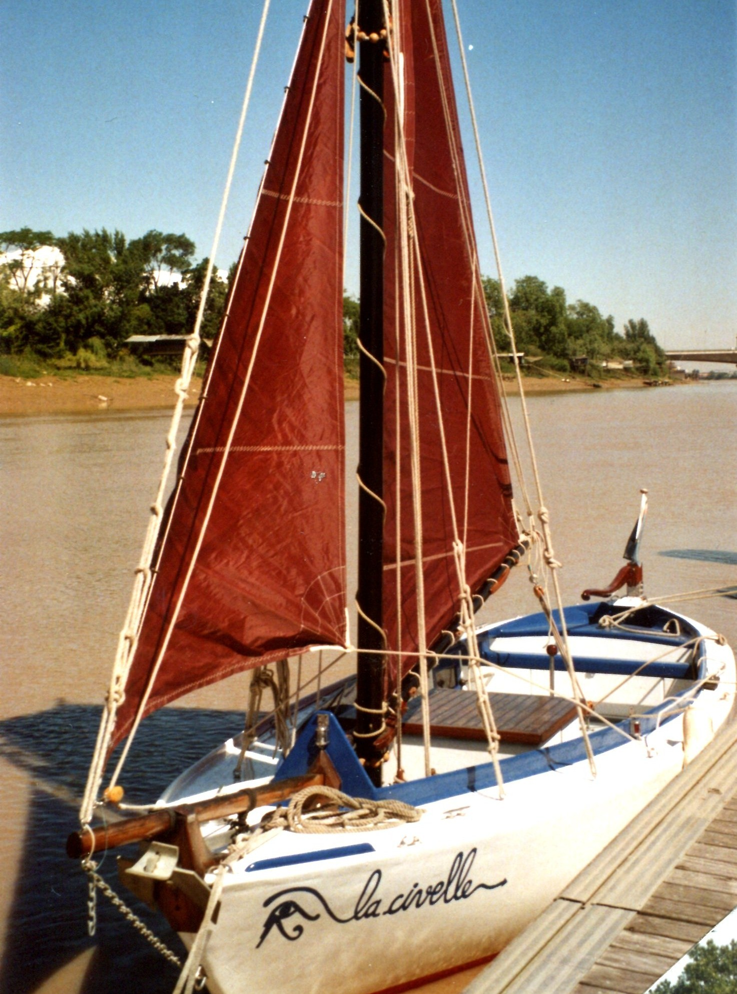 Yole estuarienne typique de Gironde