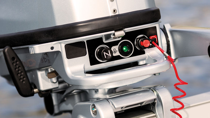 Integrierter Schutz - Die Motoren verfügen über ein Öl-Warnsystem, das Sie bei Druckverlust augenblicklich alarmiert und automatisch die Drehzahl auf ein niedrigeres und wesentlich sichereres Niveau senkt.