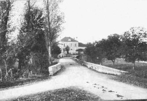 Entrée du petit village de Douzat en 1900