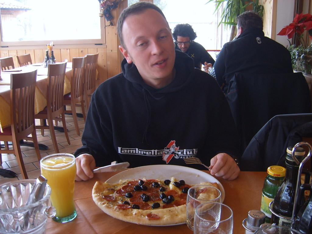 Horstl beim Pizza Futtern!