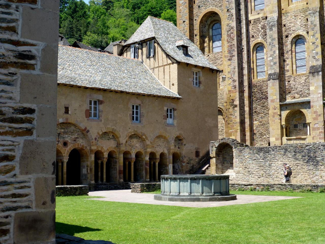 Prieuré de l'église Ste Foy - Conques -